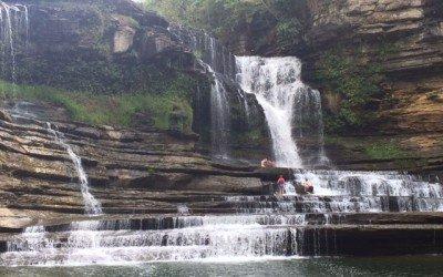 Hiking to Cummins Falls