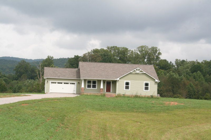 1390 Cherry Creek Road, Sparta, TN
